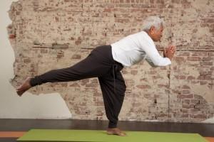 ME Factory Senioren Yoga Emmen Stoelyoga